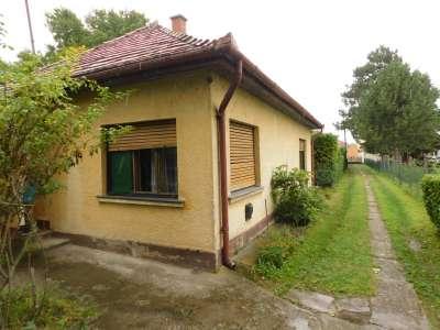Eladó családi ház - Balatonboglár / 1. kép